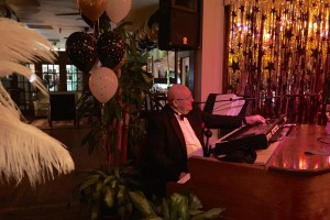 Live Entertainment with Woody Brubaker